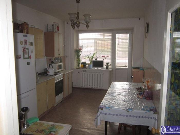 Продам 3-комн. квартиру по адресу Россия, Ростовская область, Батайск, северная улица, 1005 фото 4 по выгодной цене