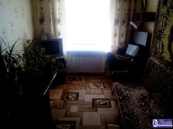Продам 2-комн. квартиру по адресу Россия, Ростовская область, Батайск, Комсомольская улица, 100 фото 2 по выгодной цене