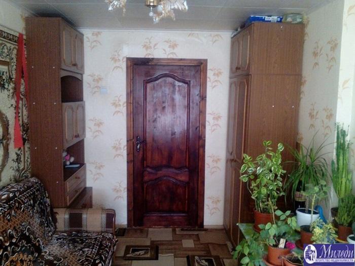 Продам 2-комн. квартиру по адресу Россия, Ростовская область, Батайск, Комсомольская улица, 100 фото 4 по выгодной цене
