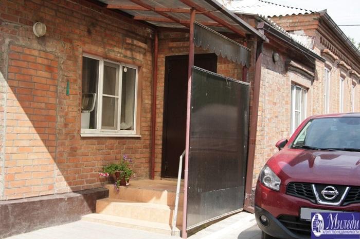 Продам дом по адресу Россия, Ростовская область, Батайск, Заводская улица, 1005 фото 1 по выгодной цене
