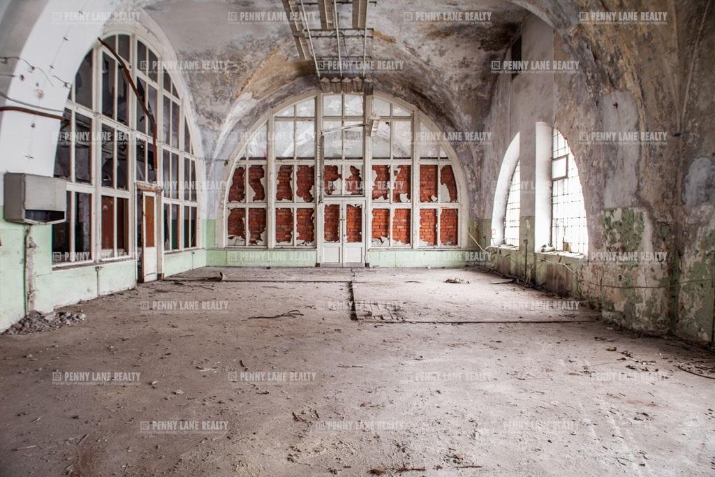 Аренда помещения 1417 кв.м. Калининский ул. Комсомола, 2 - фотография №1