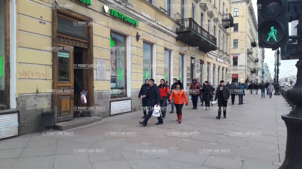 Аренда помещения 400 кв.м. Центральный пр-кт Невский, 24 - фотография №4