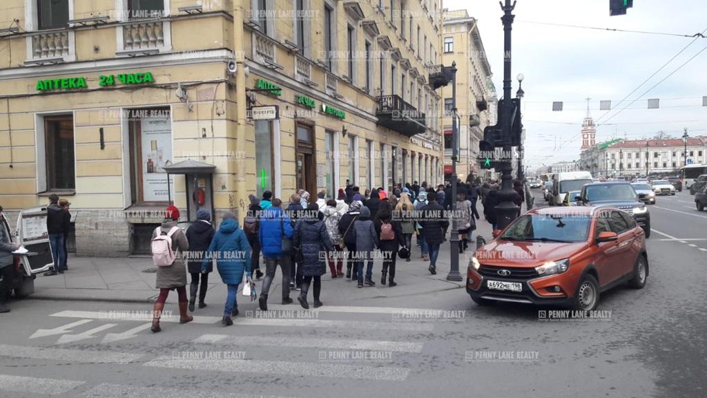 Аренда помещения 400 кв.м. Центральный пр-кт Невский, 24 - фотография №1